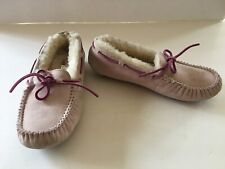 UGG DAKOTA PINK MOCCASIN 1002959 BREAST CANCER US 5 WORN ONCE FREE SHIPPING!