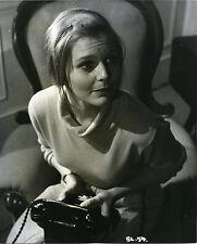 CAROL LYNLEY ORIGINAL 8X10 VINTAGE STILL PHOTO HOLDING TELEPHONE 1960'S