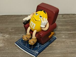 M&Ms CANDY DISPENSER - YELLOW M&M IN RECLINER w/ Remote Control & Slippers