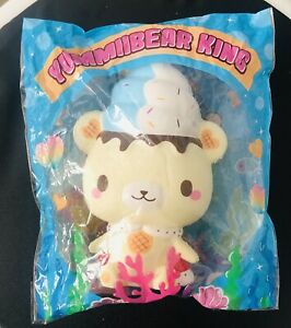 King YUMMIIBEAR squishy - New, Slight Defect