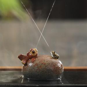 Chinese yixing zisha tea pet water spraying creative tea play frog fish stone
