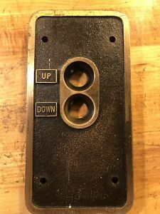 VINTAGE ANTIQUE ELEVATOR UP DOWN PUSH BUTTON CALL SWITCH PLATE