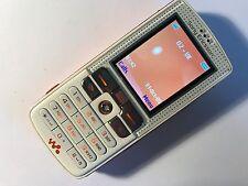 Sony Ericsson Walkman W800i-Smooth Bianco (Sbloccato) Cellulare