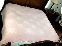 """Vintage Flower APPLIQUÉ Quilt Hand Stitched & Quilted  PINK scalloped 80"""" X 90"""""""