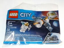LEGO 30365 Space Satellite City polybag Astronaut inspired by NASA spacewalks