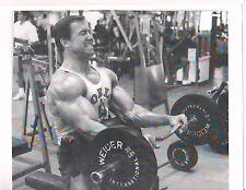 bodybuilder LARRY SCOTT World Gym Bicep Curls Preacher Bench Muscle Photo b+w