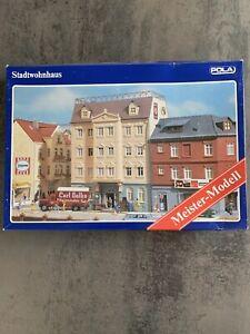 Pola H0 190 Stadtwohnhaus Bausatz