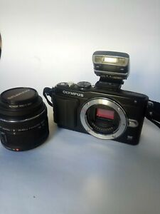 Olympus Pen E-PL5 Lite 16.1 MP + Flash + 14-42mm Olympus Digital Lens