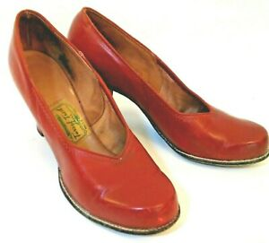 Vintage Red Leather Shoes Pumps 1940s 7 AA  w 3 Inch Chunky Heel  Tarsal Tred