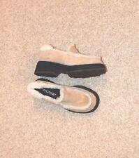 NWOB NINE WEST CLOUD  9 Genuine Sheepskin leather Camel Beige shoes Size 5.5M