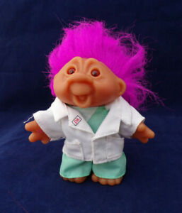 """Vintage Totally Troll Playmates 2001 5"""" K11G8 Pink Hair MD Doctor Troll Doll"""