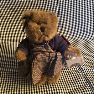 Russ Vintage Collection Bear with Stand - Daphne With COE - #44705
