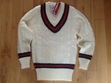 Cricket sweater v neck Jumper Gray Nicolls new with tags size youth
