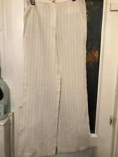 Stunning Lacoste Trousers Size 40 Offered In Excellent Condition