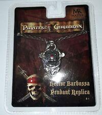 FLUCH DER KARIBIK Hector Barbossa Pirates Of The Caribbean Kette Anhänger NEU