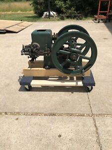Small Early Nelson Brothers 1 1/2 HP Hit Miss Gas Engine Runs!!!