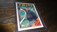 1988 TOPPS TOM KELLY  AUTOGRAPHED BASEBALL CARD