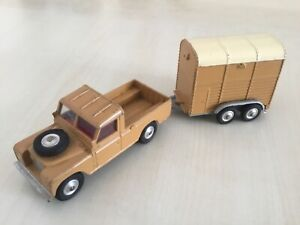 Corgi 438 Land Rover 109 WB brown beige and 102 rice pony trailer Used Unboxed O