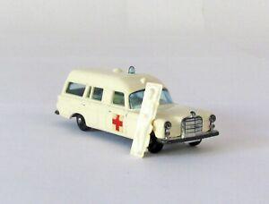 Vintage Lesney Matchbox 3 Mercedes Benz Ambulance and Patient Regular Wheel 1968