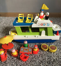 Fisher Price Little People vintage happy  boat house 985 Accessories & 6 People