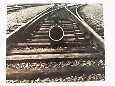 photographie Rail chemin de fer composition lanterne éclairage