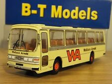 B-T Base Toys Wallace Arnold WA Duple dominant Coach Bus Modèle B018 1:76 BT