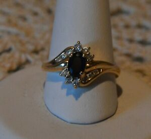 GORGEOUS SAPPHIRE AND DIAMOND RING~14KT YELLOW GOLD~SIZE 6~PERFECT EVERYDAY RING