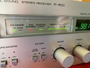 Yamaha Vintage R-900 am/fm stereo receiver gorgeous !