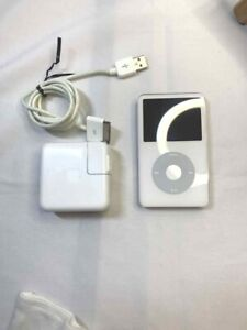 Apple iPod classic 5th Generation 30GB MA444J USED
