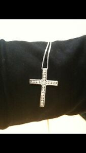 18 Carat White Gold 0.5 Carat Diamond Cross Pendant/Chain