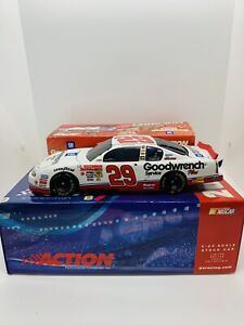 Kevin Harvick #29 GM Goodwrench Service Plus Rookie of the Year 2001 Monte Carlo