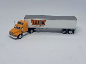 Matchbox DYM38010 Yellow Freight Systems Mack CH600 Tractor Trailer 1999 Release