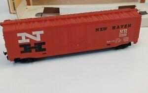Vintage TYCO 50' NEW HAVEN Plug-Door Boxcar NH 35688 w/ Box