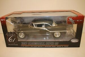 Highway 61, 1957 Oldsmobile Super 88, 1:18 Scale Boxed