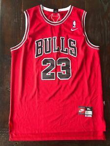 Michael Jordan - Chicago Bulls - Stiched Nike Jersey - XL - 23