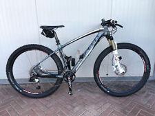 Biciclette Mountain bike in fibra di carbonio