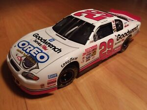Kevin Harvick 2001 Action Elite 1:24 scale Oreo Show Car Chevy Monte Carlo