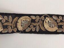 Oro antiguo indio atractivo y Lentejuelas Encaje Floral Negro Tela De Rosca - 1 Mtr