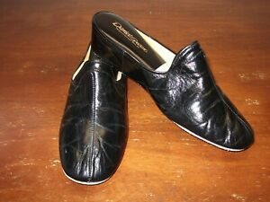 DANIEL GREEN LEATHER SLIDE STYLE...SIZE 8M..EXCELLENT CONDITION...FREE SHIPPING