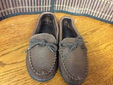 Minnetonka Moccasin Boys Toddler Size Approx 10C Slipper Shoes Brown  F18