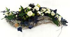 Kunstblumen Gesteck Ellipse Blumengesteck Weiß Blau Naturmaterial Friedhof