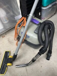 Nilfisk gd910 commercial vacuum cleaner