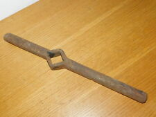 poignée TROU CARRE 28mm MANIVELLE de tuyau VANNE VINTAGE handle GRIFF old pipe