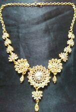 Collar de Oro de Moda Diseño de Flores cubierto con Cristales Claro
