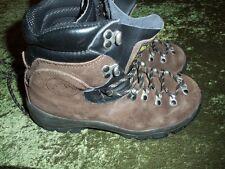 Women's La Sportiva Walk the Moon leather hiking boots size 9 /40.5