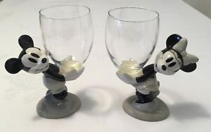 Rare Disneyland Paris Exclusive Pair Minnie And Mickey Mouse Glass Goblets