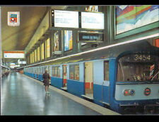 PARIS / TRAIN RAME N°3454 au METRO / STATION CHARLES DE GAULLE animée en 1970