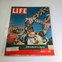 VTG Life Magazine: August 1 1960 - Safari In New-Type U.S. Fun Spot - Giraffes