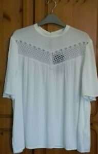 M&S White Short Sleeved Lace Top Size 20 BNWT