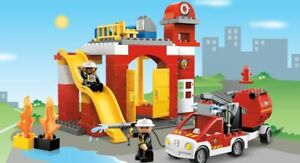 Lego Duplo Fire Station 6168 with Fire Engine - working siren / light - Complete